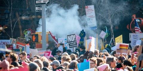 Der Widerstand gegen Trumps Erlasse mobilisiert Millionen. © Mathias Wasik / wasikphoto.com