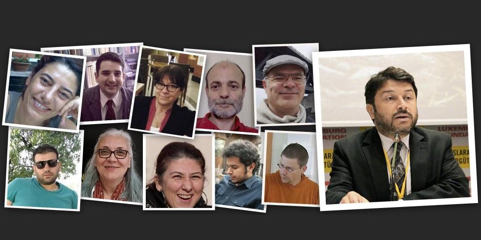 Idil Eser, zweite von Links in der unteren Reihe, und die anderen inhaftierten MenschenrechtsverteidigerInnen. © Amnesty International