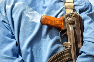 Sicherheitskräfte vertreiben, verhaften und töten Menschen