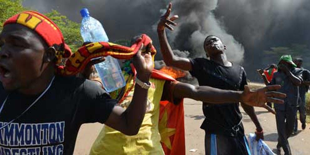 Bei den Protesten von 2014 in Ouagadougou gingen die Sicherheitskräfte mit brutaler Gewalt gegen Demonstranten vor   © AFP/Getty Images