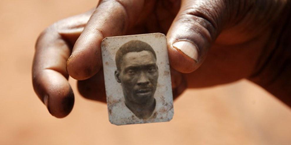 Im Rahmen der Auseinandersetzungen wurden zahlreiche Personen ausschliesslich aufgrund ihrer ethnischen Zugehörigkeit oder politischen Zuordnung ermordet.  © AI