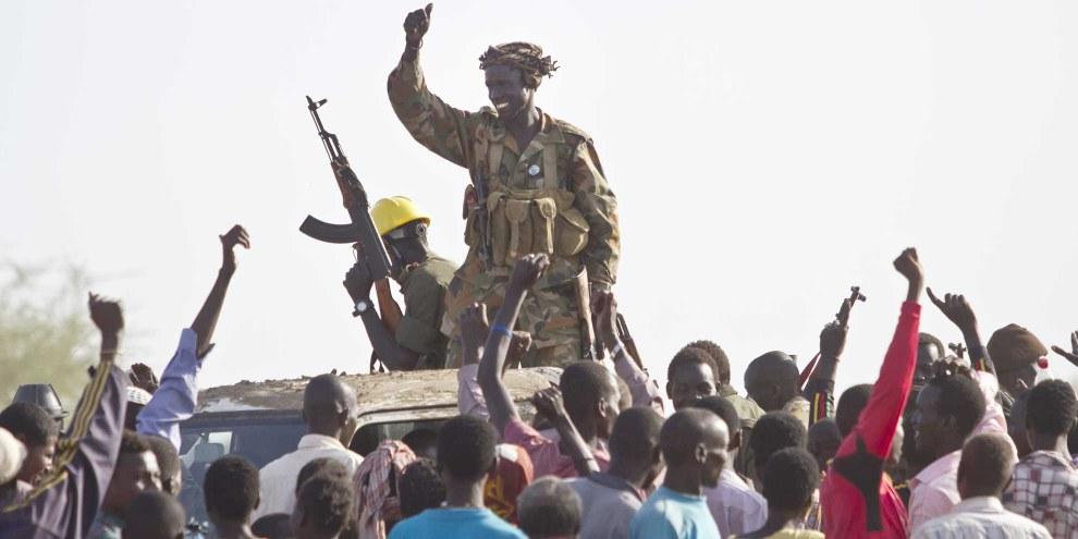 Jubelnde Soldaten der Sudan People's Liberation Army (SPLA) nach der Eroberung von Malakal. Ivan Lieman/AFP/Getty Images