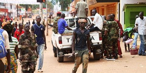 Bewaffnete Gruppen überziehen das Land mit Gewalt. © AP Photo