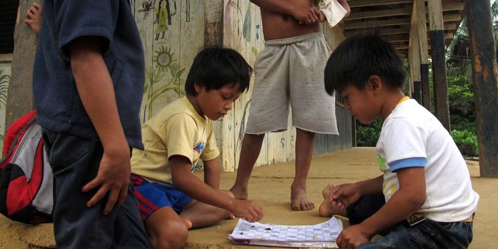 Sarayaku-Kinder © Emma Gascó