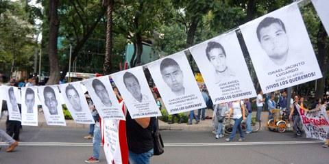 Demonstration in Mexico City, 11 Monate nach dem Verschwinden der 43 Studenten © Amnesty International