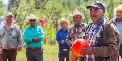 Julián Carrillo (mit Ballon) wurde wie fünf seiner nahen Verwandten getötet – weil er sich für die Rechte seiner Gemeinde einsetzte. © AI