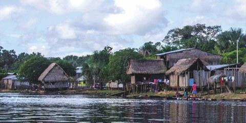 Bei der indigenen Gemeinschaft von Cuninico © Amnesty International  / Kat Goicochea