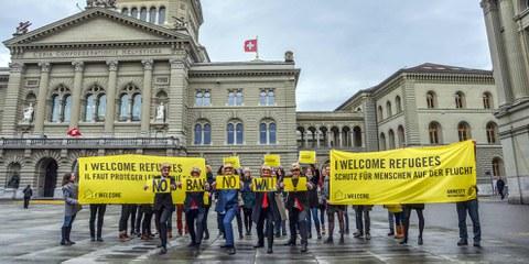 Ein klares Zeichen gegen den unmenschlichen Muslim Ban. © Amnesty International / Philippe Lionnet