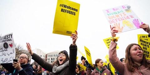Protest gegen Trumps Erlass, Muslimen und Muslimen die Einreise zu verwehren. © Amnesty International USA