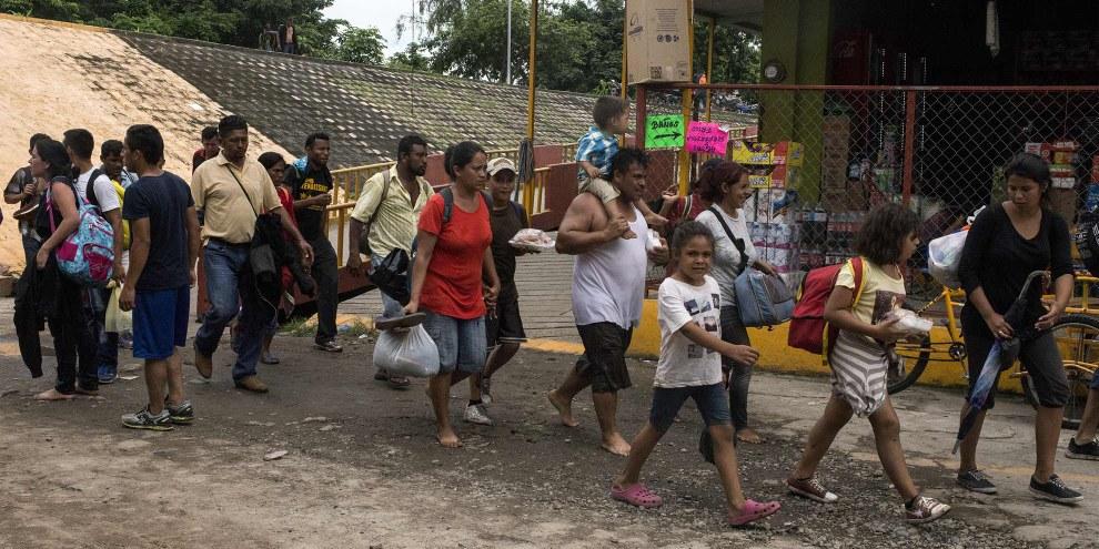 Illegales Vorgehen: Die US-amerikanischen und mexikanischen Behörden weisen Asylsuchende an, ihren Namen auf eine Warteliste zu setzen, anstatt ihnen zu erlauben, direkt an der Grenze Asyl zu beantragen.