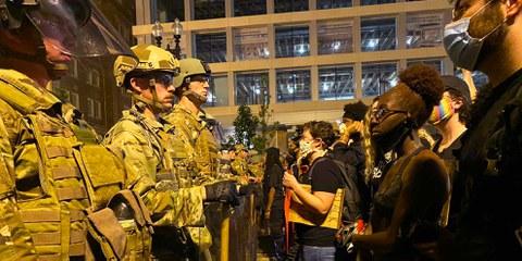 Die Proteste gegen Rassismus und Polizeigewalt - wie hier in Washington D.C. am 3. Juni 2020 - werden unter anderem eine Reformierung der Polizeiapparate gefordert. © Amnesty International  / Alli Jarrar