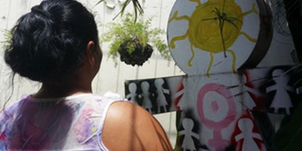 Frau in El Salvador, wo sich Amnesty für die Aufhebung des totalen Abtreibungsverbotes einsetzt, September 2014. © Amnesty International