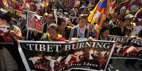 Demonstration in Dharamsala, Indien, Ende 2011 gegen die gewaltsame Unterdrückung der TibeterInnen in China.  © Gerardo Angiulli / Demotix