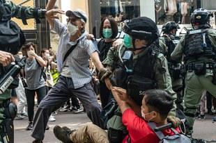 Jahr der Unterdrückung: Wie die Führung Hongkongs das Narrativ des Protests manipuliert