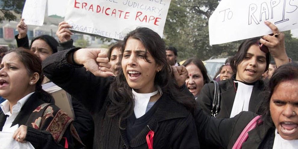 Protestkundgebung von AnwältInnen Neu Delhi, Januar 2013 © Louis Dowse / Demotix