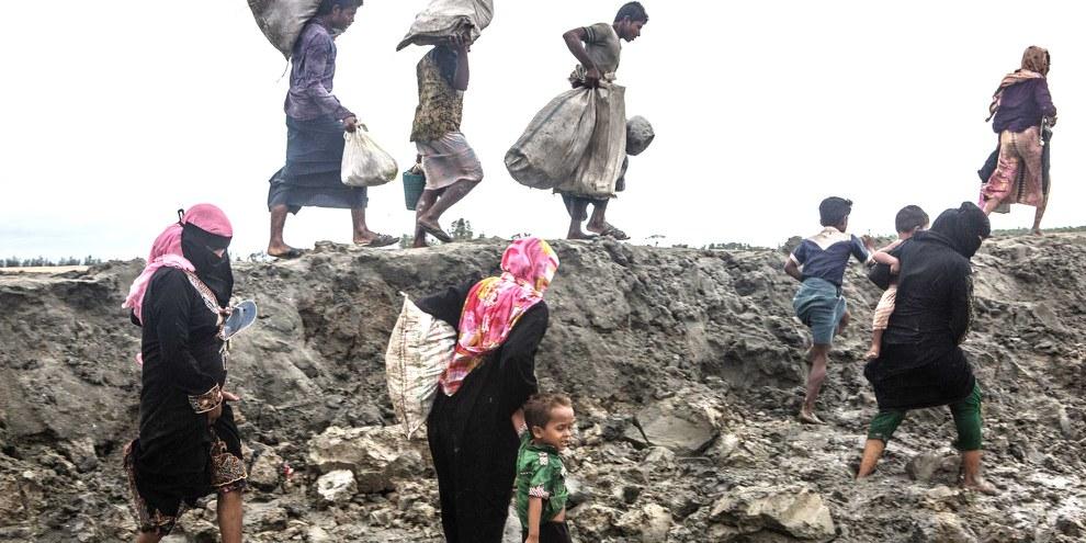 Hunderttausende Rohingya mussten aus Myanmar nach Bangladesch fliehen. Ihre Aussichten auf Rückkehr sinken: Auf dem Gelände ihrer Dörfer werden Stützpunkte und Helikopterlandeplätze  für Myanmars Militär gebaut. © Andrew Stanbridge / Amnesty International