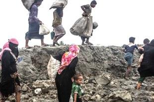 Stützpunkte des Militärs auf niedergebrannten Rohingya-Dörfern