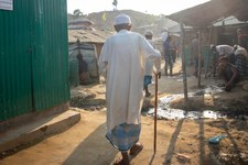 Rechte älterer Menschen in Flüchtlingslagern nicht gewährleistet