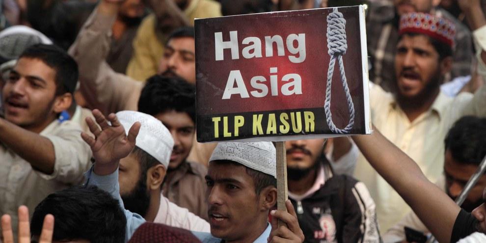 Unterstützer der religiösen Partei TLP verlangten die Hinrichtung von Asia Bibi, nachdem der Oberste Gerichtshofs Asia Bibi am 01. November 2018 freisgesprochen hatte. © A M Syed / shutterstock.com