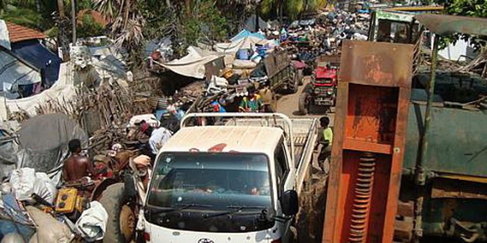 Zivilpersonen unterwegs: Sri Lanka während der letzten Monate des Krieges. © Privat
