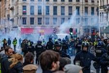 Polizei muss übermässige Gewalt gegen Demonstrierende beenden