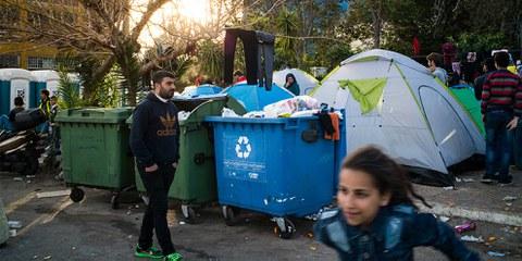 Die Zustände in den Flüchtlingslagern auf dem griechischen Festland sind unzumutbar für dort lebende Menschen. © Amnesty International/Olga Stefatou