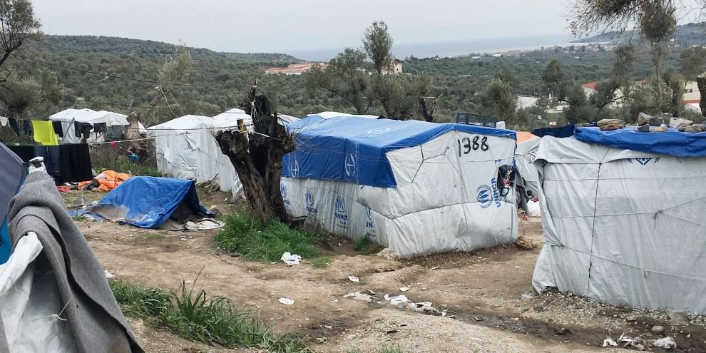 Ausharren in Zelten: Flüchtlingslager Moria auf der griechischen Insel Lesbos im März 2018. © Yara Boff Tonella