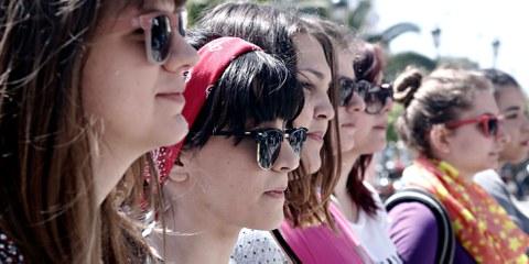 Griechinnen demonstrieren am Internationalen Tag der Arbeit für ihre Rechte. ©  Alexandros Michailidis / shutterstock.com