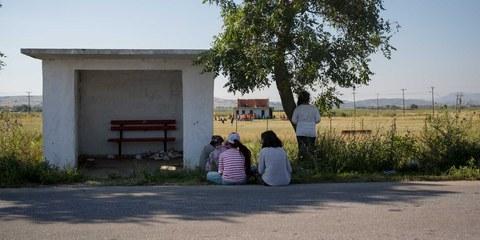 Auch hier kein Weiterkommen: Migrant*innen an der griechisch-mazedonischen Grenze. © Amnesty International
