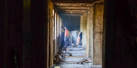 Flüchtling in Bihać, Bosnien-Herzegowina, 09. September 2018: Tausende von Flüchtlingen, Migrantinnen und Migranten stecken unter prekären Lebensbedingungen an der geschlossenen Grenze zwischen Bosnien und Kroatien fest. ©  Ajdin Kamber / shutterstock.com