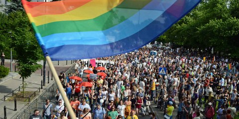 Die Gay Pride Parade in Warschau im Juin 2013.  © JANEK SKARZYNSKI/AFP/Getty Images
