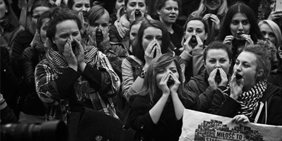 Polnische Frauen demonstrieren am 3. Oktober 2016 gegen die geplante Verschärfung der Abtreibungsgesetze: © Amnesty International Polska