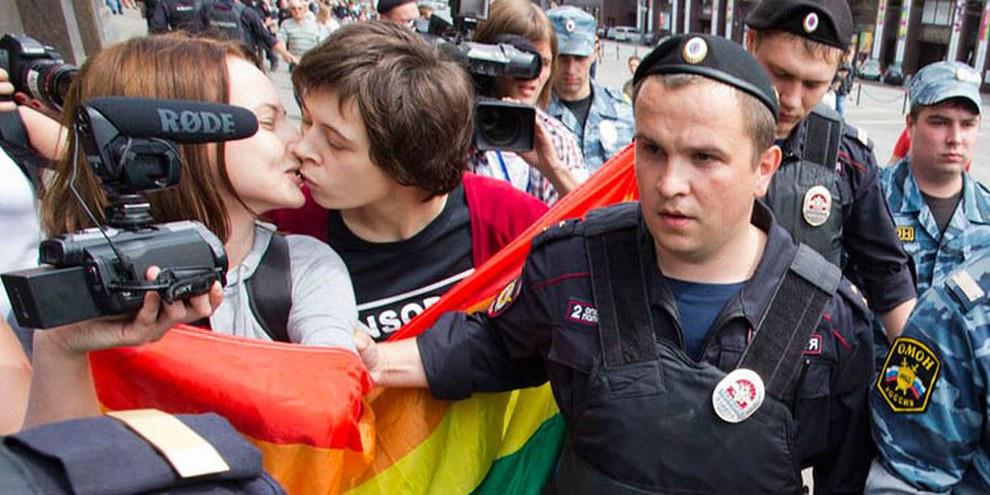 Die Polizei nahm mindestens 30 Demonstrantinnen fest. © Evgeniy Feldmann