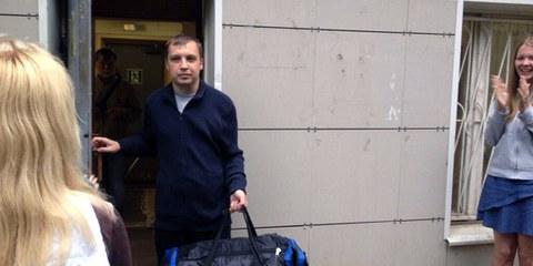 Mikhail Kosenko verlässt die Klinik.© Ekaterina Fomina
