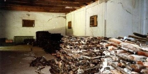 Waffenlager in Albanien - eine Lieferung für die DR Kongo © AI