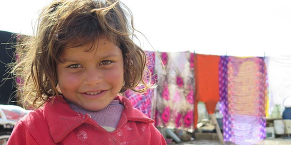 Syrisches Mädchen in einem Flüchtlingslager im Libanon, Februar 2014 © Amnesty International