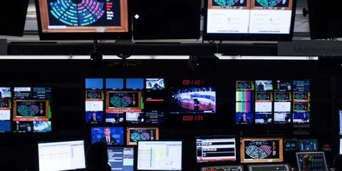 Kontrollraum des Schweizer Fernsehens SF. © ENNIO LEANZA / Keystone
