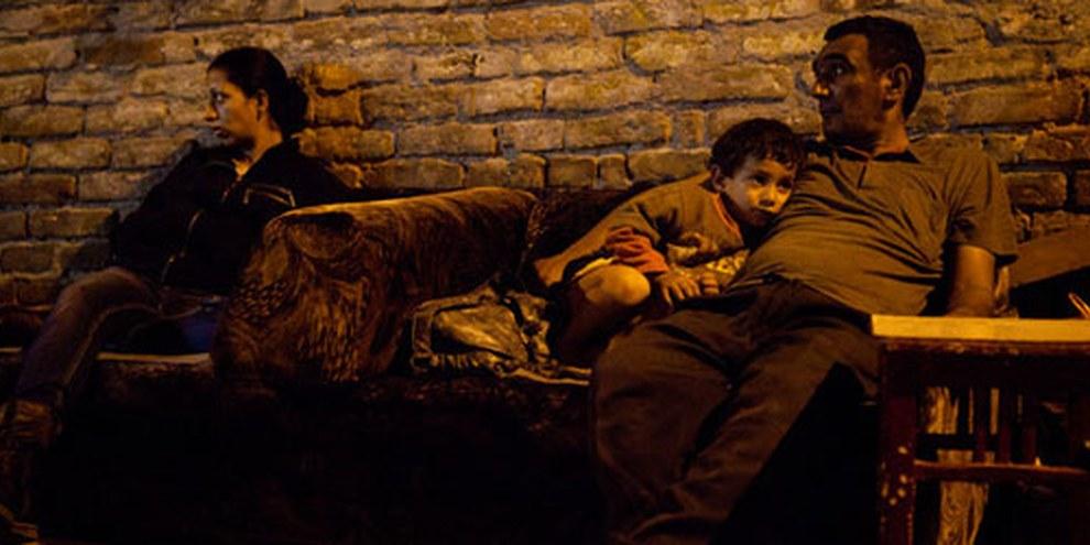Roma-Familien wurden aus ihrem Zuhause vertrieben und leben nun auf der Strasse. Belgrad, Serbien, August 2011  © Sanja Knezevic