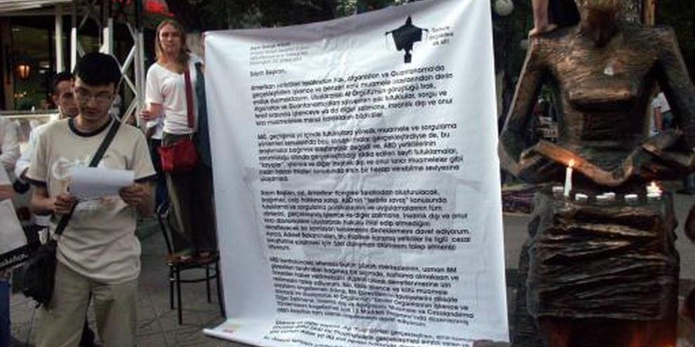 Aktion der türkischen Sektion von Amnesty gegen Folter © Amnesty International