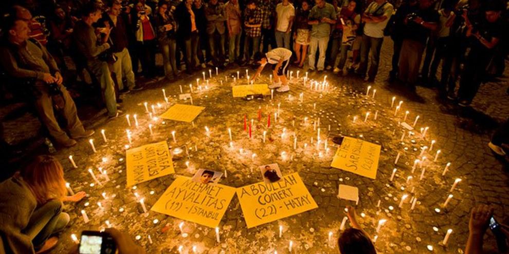 Mahnwache für die Opfer der Taksim-Proteste. ©AP Photo/Vadim Ghirda