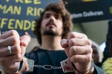 Amnesty fordert EU-Aussenbeauftragte auf, sich für Freilassung der Menschenrechtsaktivisten einzusetzen