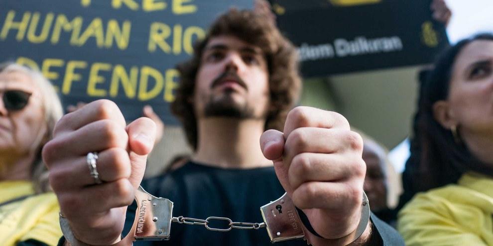 Protestaktion vor der türkischen Botschaft in Paris. © Colin Poiraut
