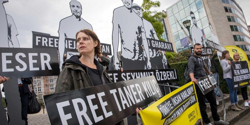 Protest-Aktion vor dem Sitz der Europäischen Kommission in Brüssel © Richard Burton/Amnesty International