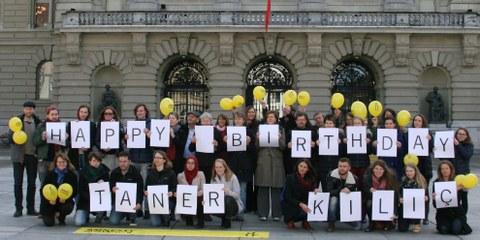 Die Schweizer Sektion von Amnesty gratuliert Taner Kılıç und wünscht ihm, dass er bald freikommt. © Amnesty International