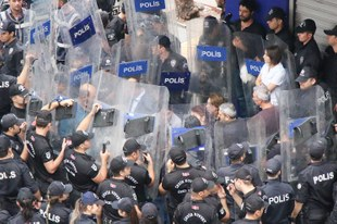 Hunderte wegen Kritik an Militäroffensive verhaftet