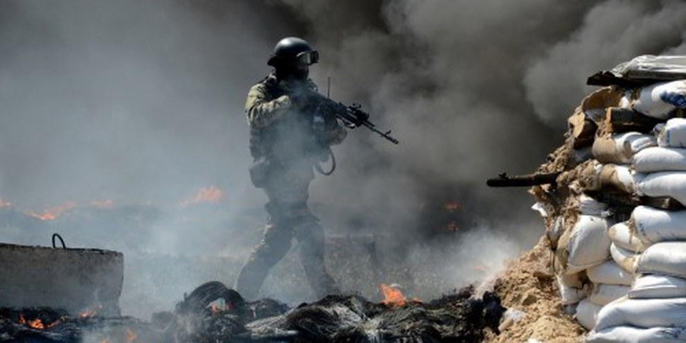 Statt Kriegsproganda über die Gegenseite zu verbreiten, sollten beide Konfliktparteien in der Ostukraine die illegalen Tötungen stoppen. © KIRILL KUDRYAVTSEV/AFP/Getty Images
