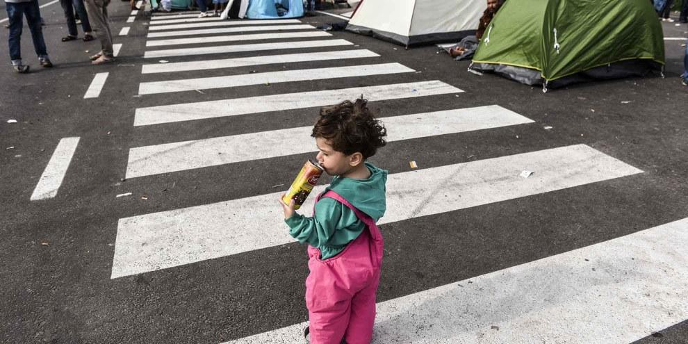 Flüchtlingskind an der serbisch-ungarischen Grenze, 16. September 2015. | © Getty Images