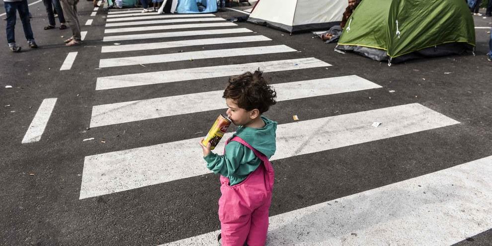 Flüchtlingskind an der serbisch-ungarischen Grenze, 16. September 2015.   © Getty Images