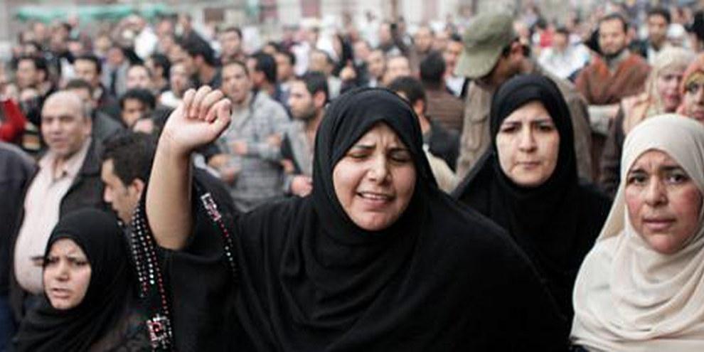 Demonstrantinnen in Kairo, Januar 2011. © Sarah Carr