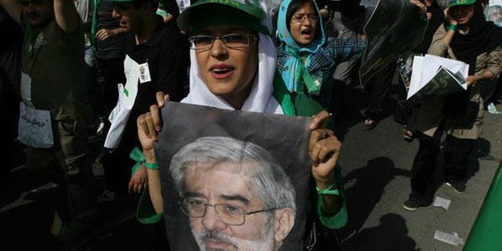 Demonstration nach den Wahlen vom Juni 2009 im Iran © Javad Montazeri